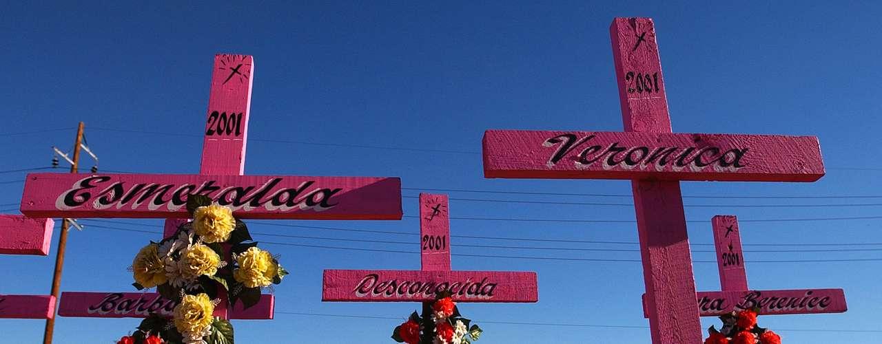El 77% de los crímenes quedan impunes, y gran parte de los cuerpos no son jamás identificados. Si bien el número de muertes de hombres es mucho mayor que el de mujeres, los homicidios femeninos en Ciudad Juárez son considerablemente mayores que en el resto de las grandes urbes de México y Estados Unidos. (Fuente: EFE y otras agencias)