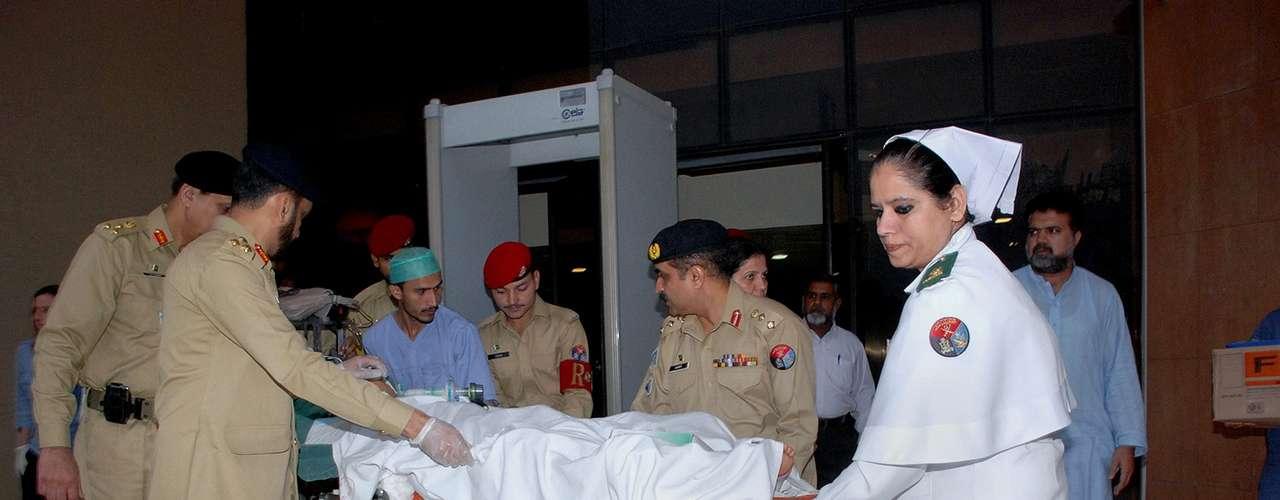 Un avión acondicionado con equipos médicos proporcionado por Emiratos Árabes Unidos llevó a Yousufzai desde Islamabad.