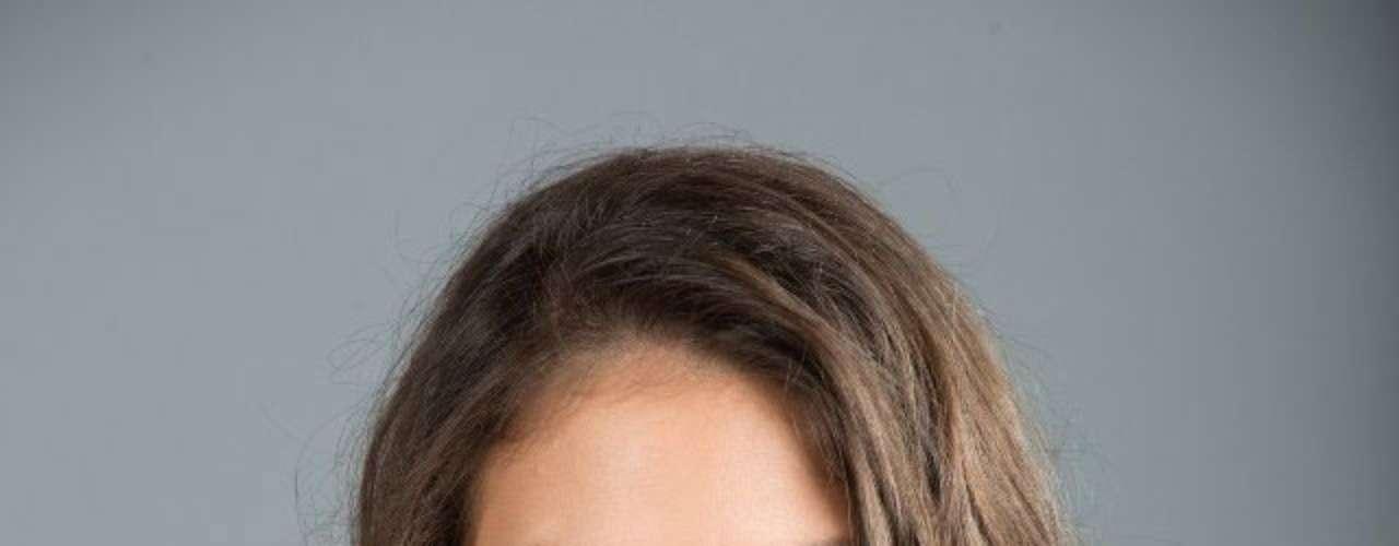 Miss Aruba - Liza Helder. Procedente de Oranjestad, nació en el año de 1990. Es modelo profesional. Mide 1.78 metros de estatura.  Su cabello es castaño y sus ojos color miel.
