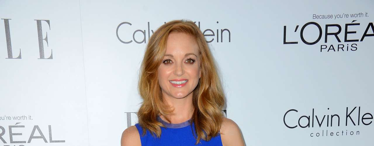 We finally got some color with Jayma Mays' outfit.