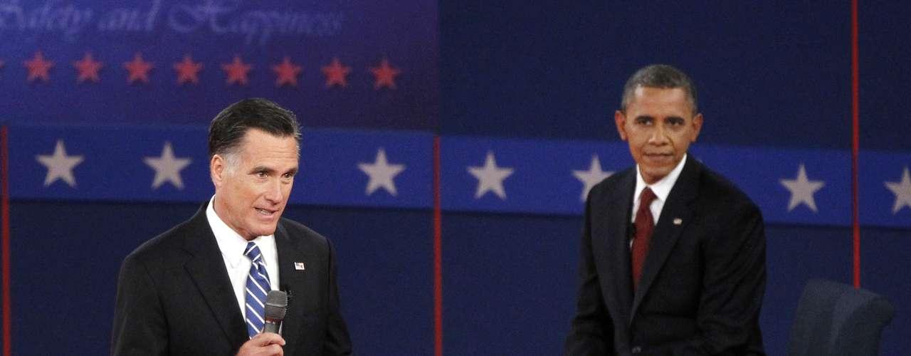 Por su parte, Romney fue contundente y aseguró que toda la política del presidente Barack Obama para Oriente Medio está en tela de juicio tras lo ocurrido en Libia.