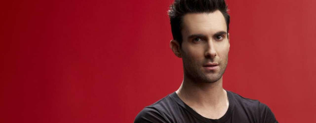 Adam Levine. El vocalista de la banda Maroon 5 es uno de los jurados más rigurosos y que más genera polémica en la versión de 'La Voz Estados Unidos' ya que ha tenido varias discusiones con Christina Aguilera, otra de las entrenadoras.