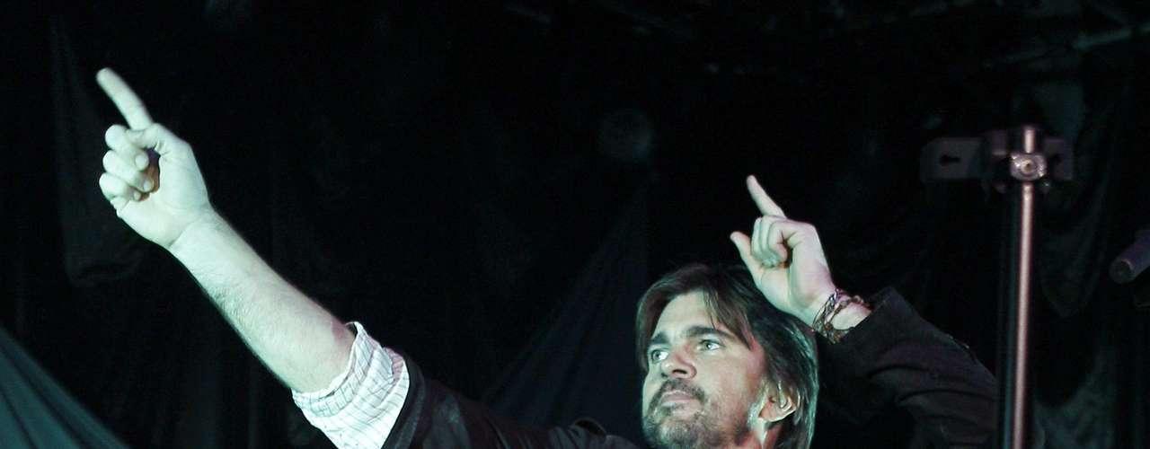 Arropado por unos fans entregados, Juanes brindó un recital marcado por un sonido intimista y cercano.