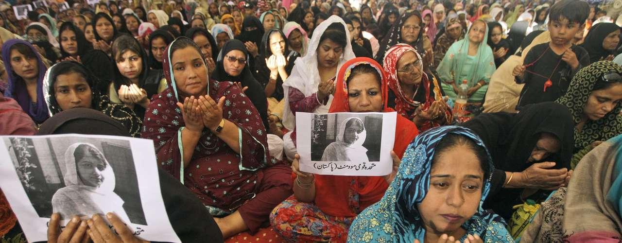 La condecoración fue anunciada por el funcionario durante su visita a las dos compañeras de clase de Malala que también resultaron heridas en el ataque y es entregada usualmente a soldados y policías que demuestran un valor extraordinario.