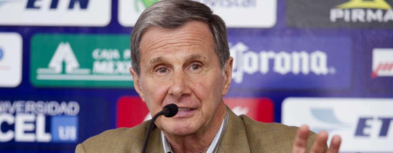 4.- Enrique Borja metió 31 goles con México y fue seleccionado de 1966 a 1975.