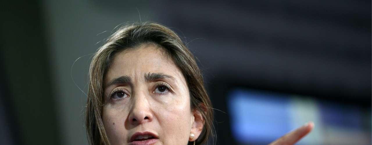 Otros de los secuestrados  han sobrevivido para contarlo como es el caso de Ingrid Betancourt, una ex senadora colombiana y candidata a la presidencia en el 2002. El 23 de febrero de 2002, en momentos que se dirigía a la zona de distensión establecida por el entonces presidente Andrés Pastrana con el fin de realizar conversaciones de paz con la guerrilla de las FARC, fue secuestrada junto a su acompañante y asesora Clara Rojas. Su secuestro, que tuvo una duración de seis años, cuatro meses y nueve días, mantuvo en vilo a Colombia. Betancourt volvió a la libertad el 2 de julio de 2008, gracias a una operación de inteligencia militar.