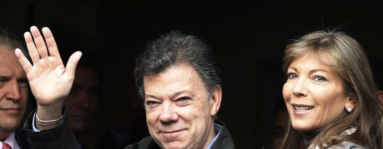 Santos, no ha sido el único presidente que ha perseguido la paz en Colombia. Se pueden enumerar los gobiernos que han luchado contra las FARC y otros grupos armados, sin resultados.