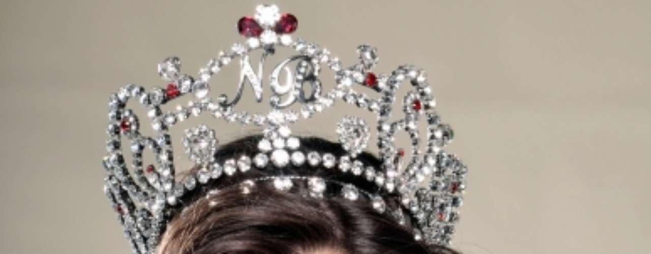 El mundo está ansioso porque llegue la fecha del certamen Miss Universo. México ya tiene dos coronas en sus manos, así que la representante de nuestro país ha causado mucha expectacion. Se trata de Karina González, te invitamos a que conozcas un poco más sobre ella.