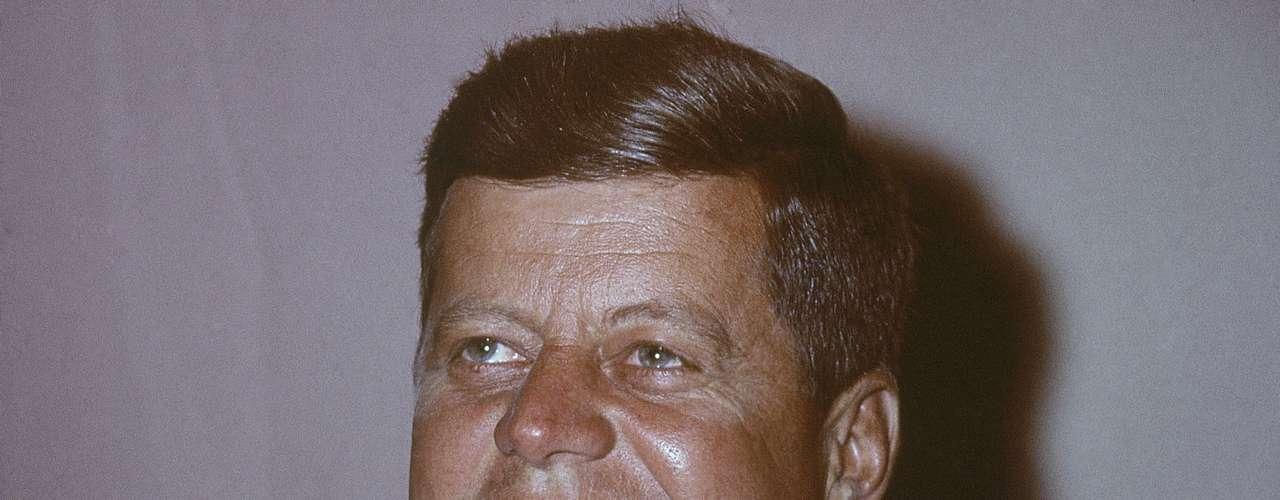 Hasta el momento, John F. Kennedy ha sido el único presidente estadounidense no protestante, pero antes de ser electo dejó claro que por delante de su catolicismo estaba el país. Resta por ver si la religión afectará a los votantes a la hora de emitir su sufragio.