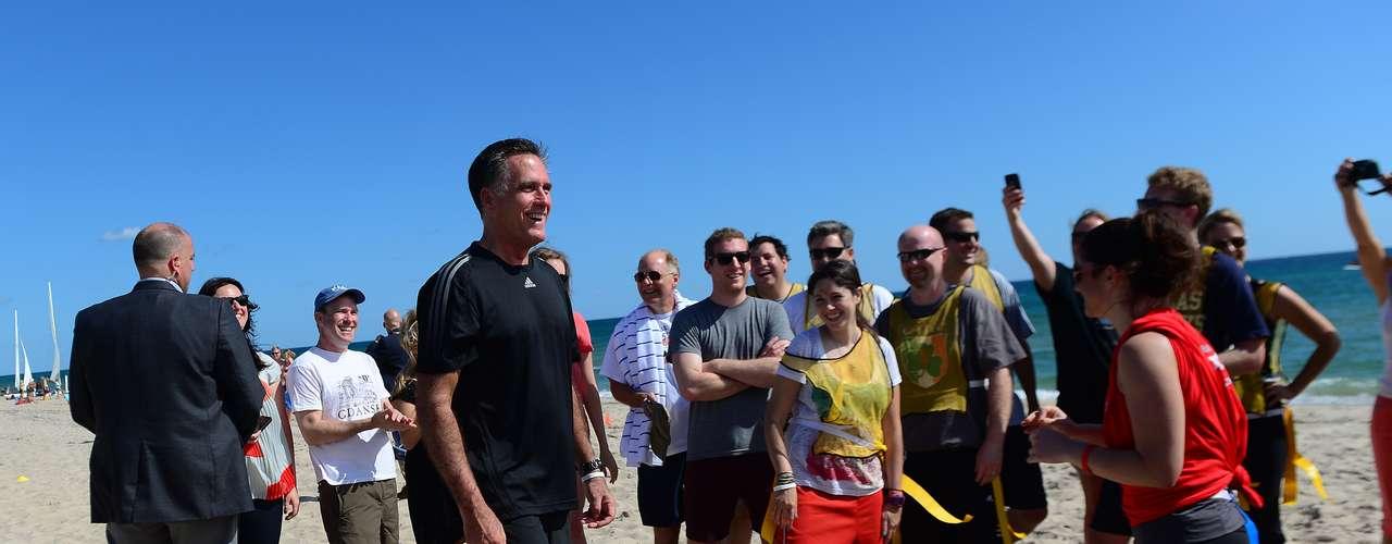 Romney optó por un poco de sol antes del último debate en la Universidad Lynn de Boca Ratón, Florida.