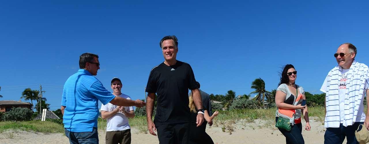 Mientras Romney está en Boca Ratón, su compañero de fórmula, Paul Ryan, hacía campaña en Pittsburgh, Pennsylvania.