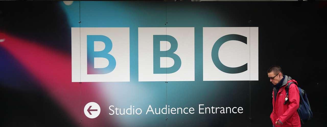 Respecto a que si era probable que se hubieran llevado a cabo abusos sexuales a niños y mujeres en la BBC, Entwistle solo contestó: \
