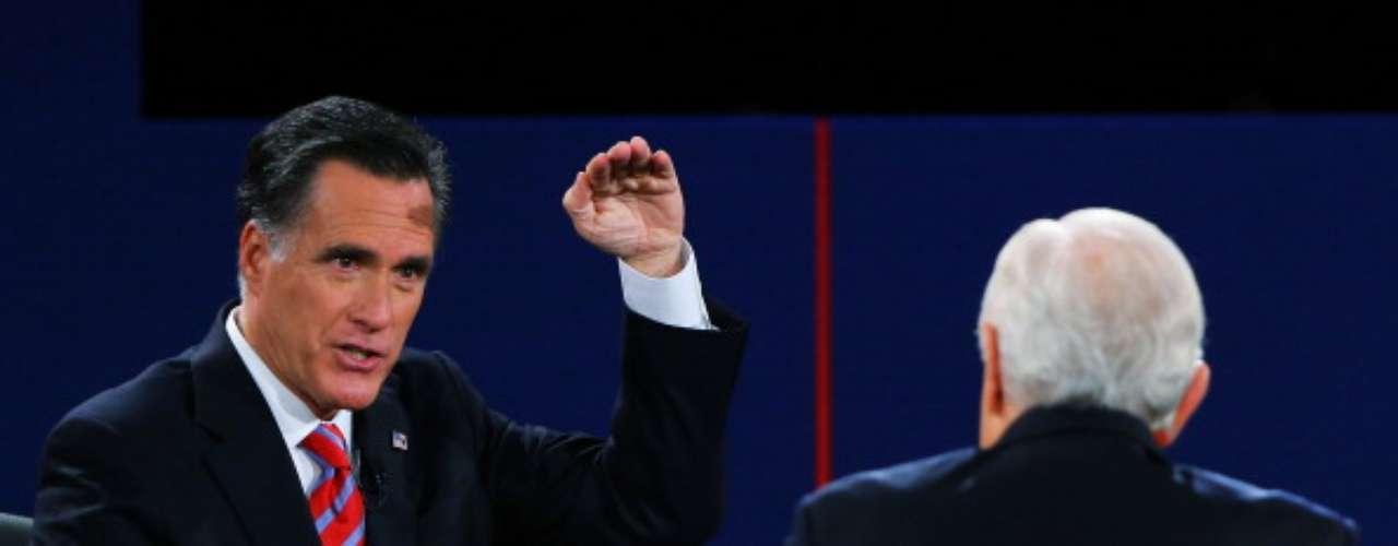 Romney aseguró que si llega a la Casa Blanca, las tropas estadounidenses en Afganistán volverán al país a finales de 2014. Además dijo que centrará su política en \