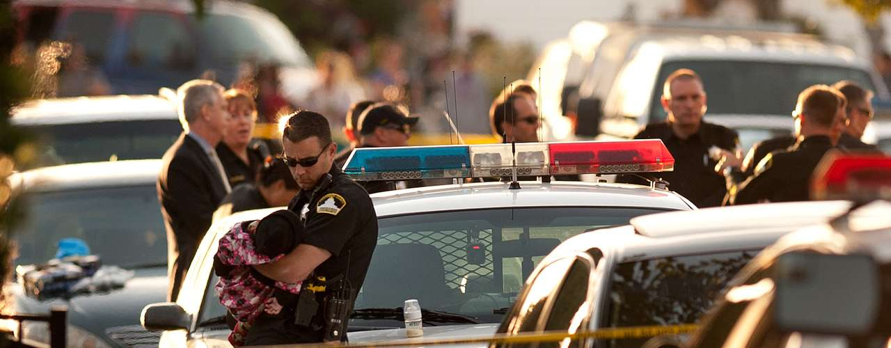 Ramos afirmó que cuando llegaron a la casa los agentes vieron que el hombre estaba sentado frente a la casa \
