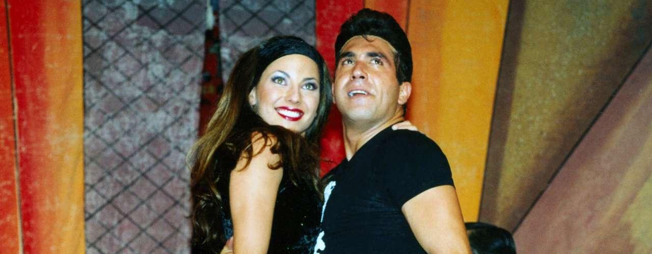 En 2001, Bárbara Mori debutó en teatro con la obra 'Vaselina', donde compartió el escenario con Alejandro Ibarra, su novio por aquel entonces.