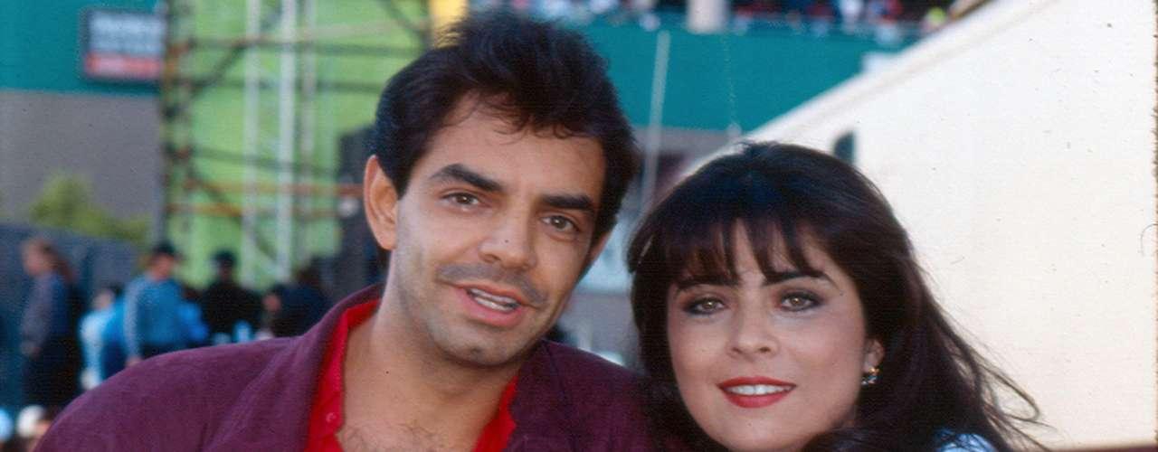 Victoria Ruffo y Eugenio Derbez eran una feliz pareja en 1993 y su amor dio como fruto a José Eduardo Derbez. Su escandaloso divorcio mantuvo cautivas a las revistas de chismes por varios meses.