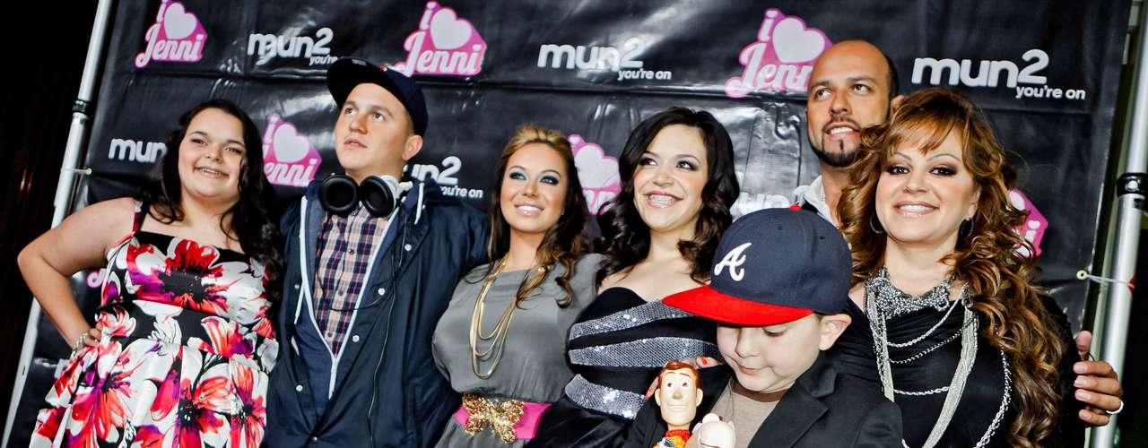 La calma llegó a la vida de Jenni y ella y su familia protagonizaron el reality 'I Love Jenni', programa de televisión en donde 'La Diva de la Banda' se mostraba tal cual es junto a sus hijos y marido.