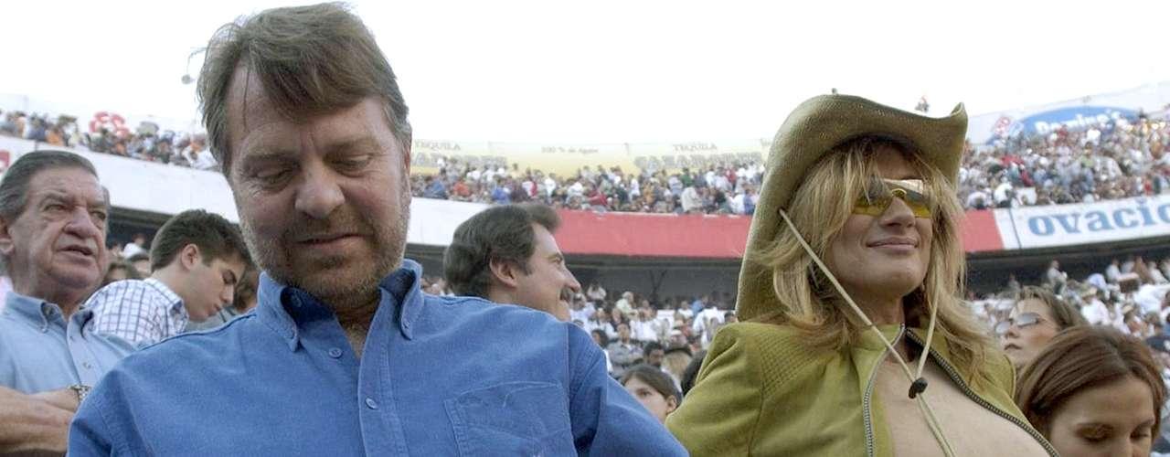 La presentadora de noticias Adela Micha anduvo con Jorge Castañeda, antiguo Secretario de Relaciones Exteriores de México, en 2005.