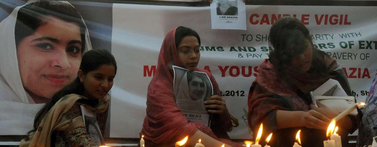 De los nueve detenidos, seis son acusados de ser cómplices directos de la agresión contra la niña paquistaní de 14 años, mientras que los otros tres son la prometida de Ullah, su madre y un hermano.