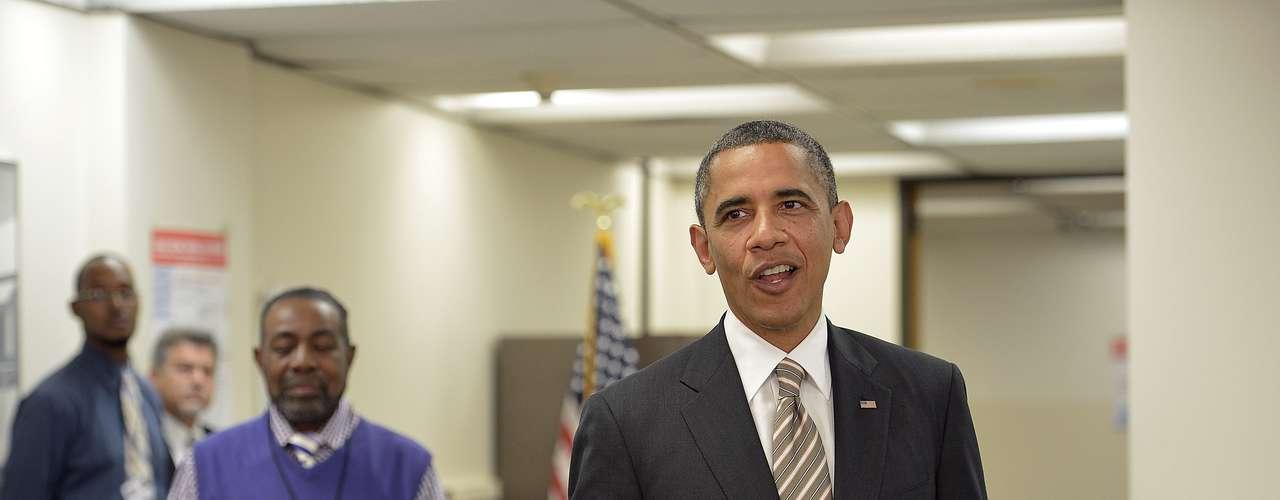 Según varios analistas, el hecho de que Obama vote por adelantado favorece a los demócratas. En Wisconsin y Iowa se abrieron desde el 15 de octubre, seguidos de otros como Florida, Ohio y Nevada.