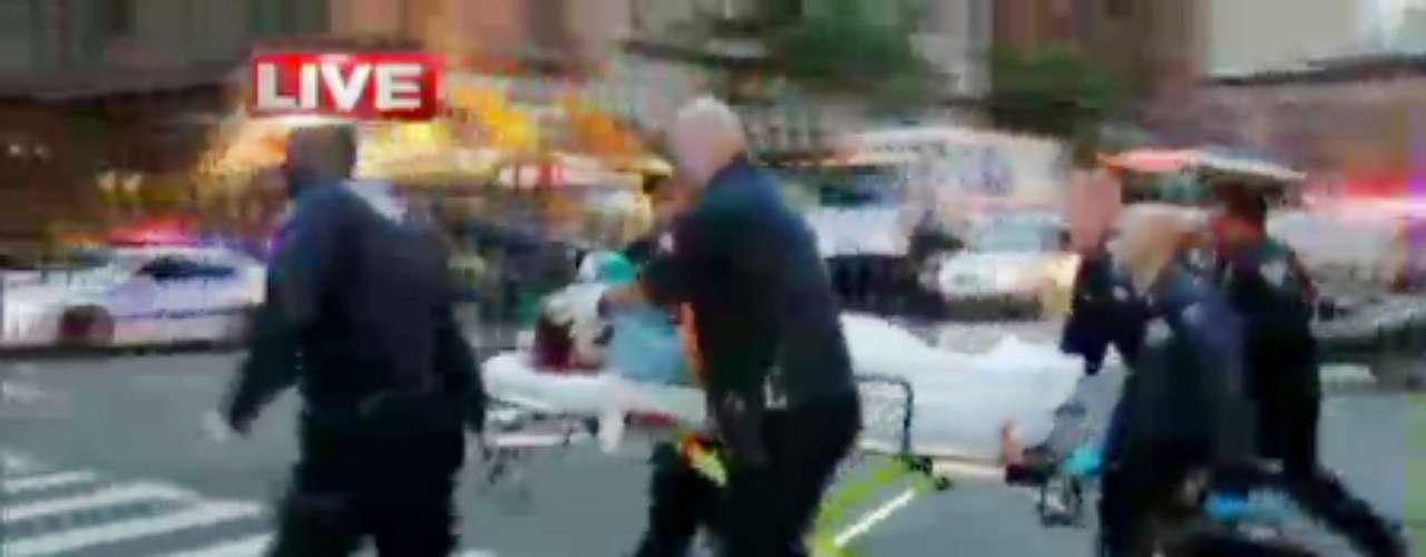 La niñera de nombre Yoselyn Ortega y de origen dominicano fue hallada con cuchilladas en el cuello, y un cuchillo de cocina estaba cerca, dijo la policía.