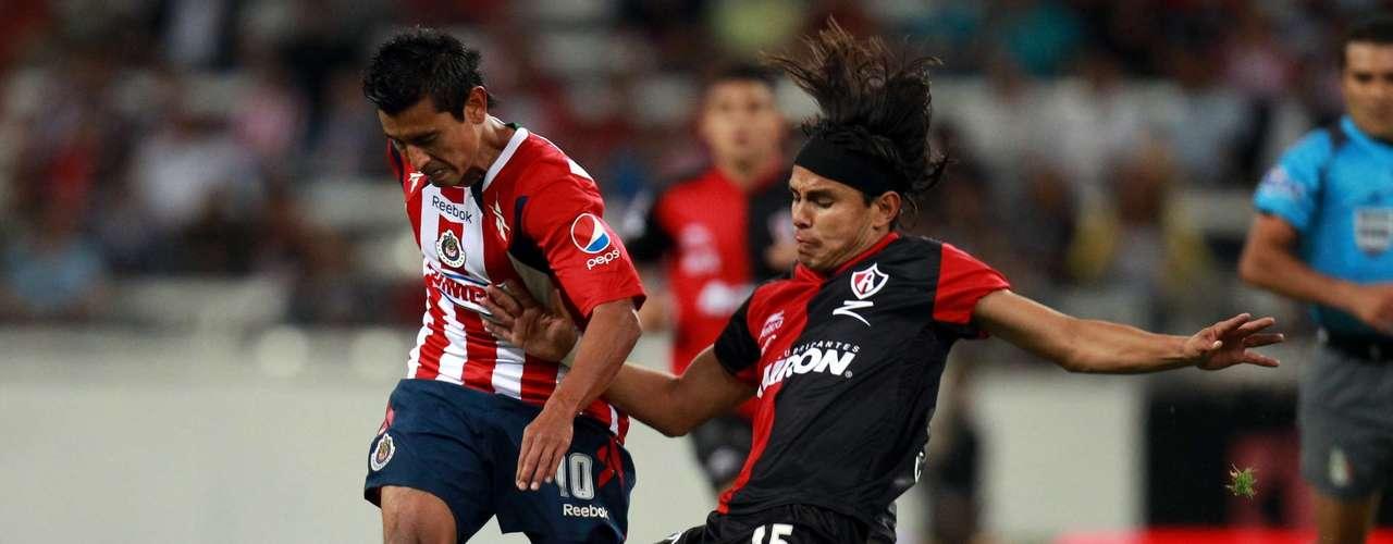 Erick Cubo Torres también había adelantado a Chivas en el Clausura 2011, pero Flavio Santos marcó el 1-1, en partido celebrado en el estadio Jalisco.