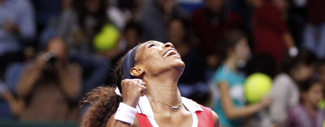 Serena Williams of the U.S. reacts during her final WTA tennis championships match against Russia's Maria Sharapova in Istanbul, October 28, 2012.