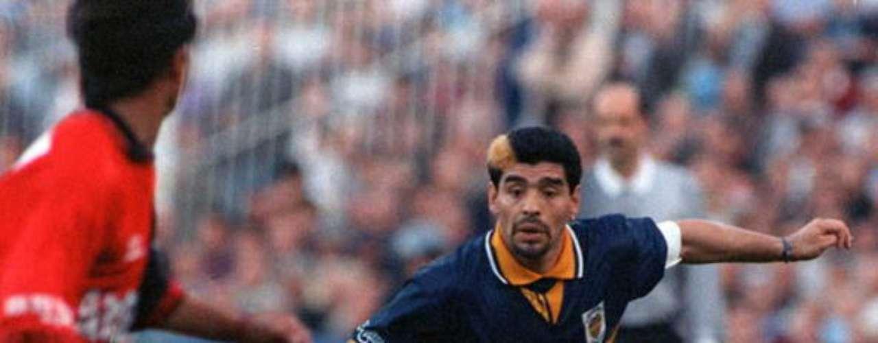 Tras cumplir su sanción, regresó para una segunda etapa en Boca, de 1995 a 1997, cuando dijo adiós al futbol de manera definitiva.