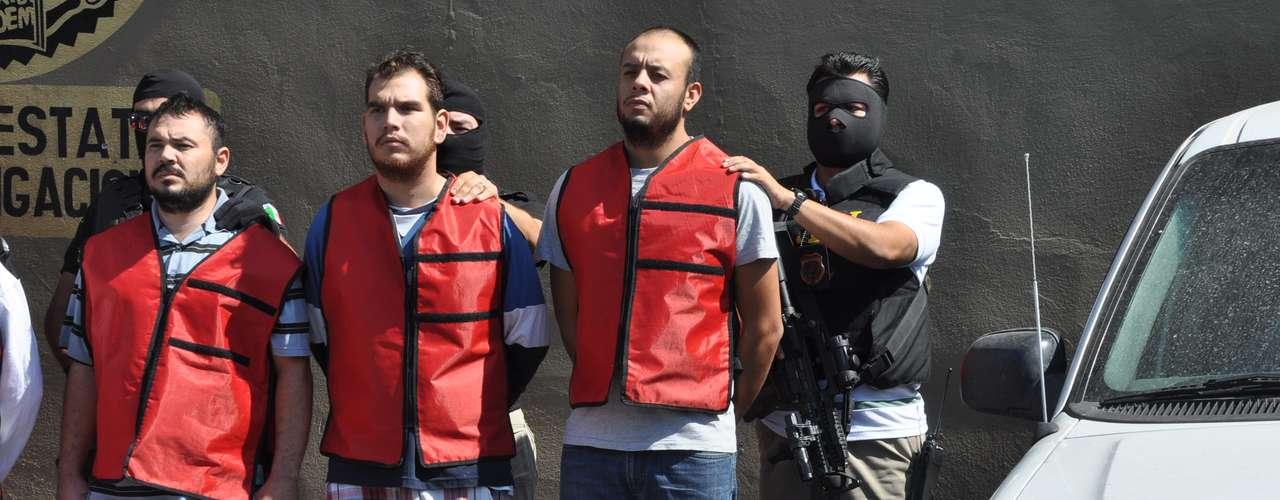 Los detenidos permanecerán arraigados en la casa de seguridad de la procuraduría, por lo que se estima que el Ministerio Público solicitará la ampliación del término para dar forma a los expedientes.
