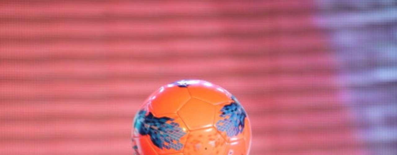 Lo que más me gusta del fútbol es la pelota. Todo lo demás, cansa (1981).