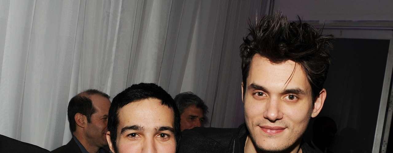 Pete Wentz y John Mayer se conocen desde hace algunos años. Los dos son grandes músicos y sobre todo grandes amigos que pasan sus 'ratos masculinos' juntos.