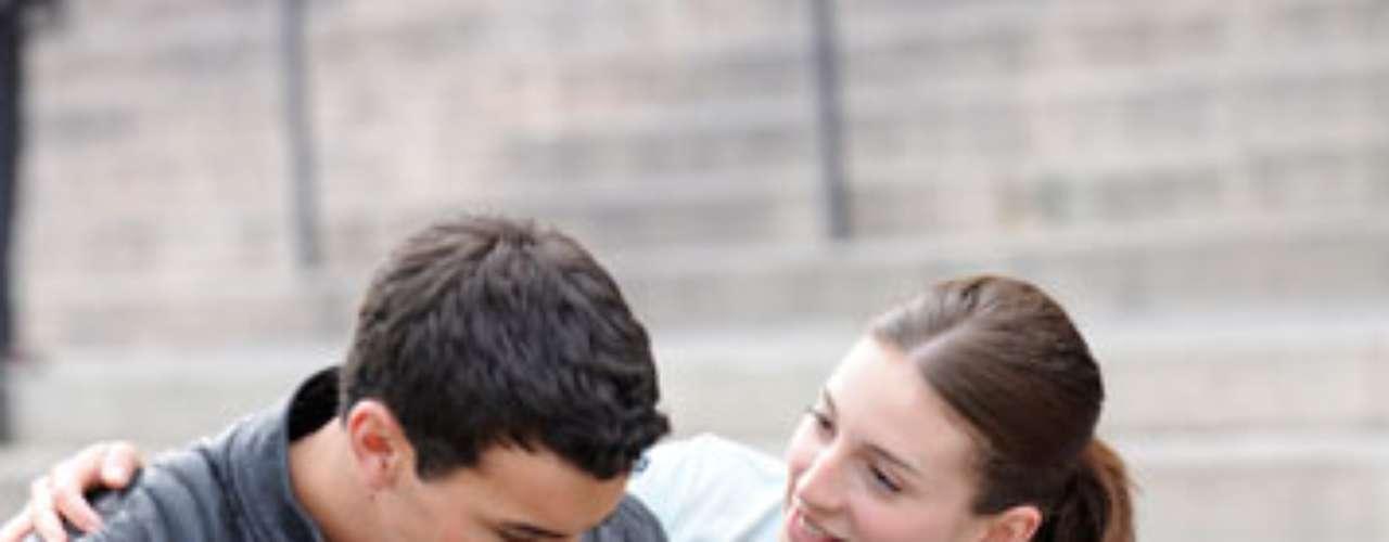 María Valverde y Mario Casas podrían estar pasando por un momento de reflexión en su relación. La pareja podría haber decidido darse un respiro tras un año y medio de noviazgo.