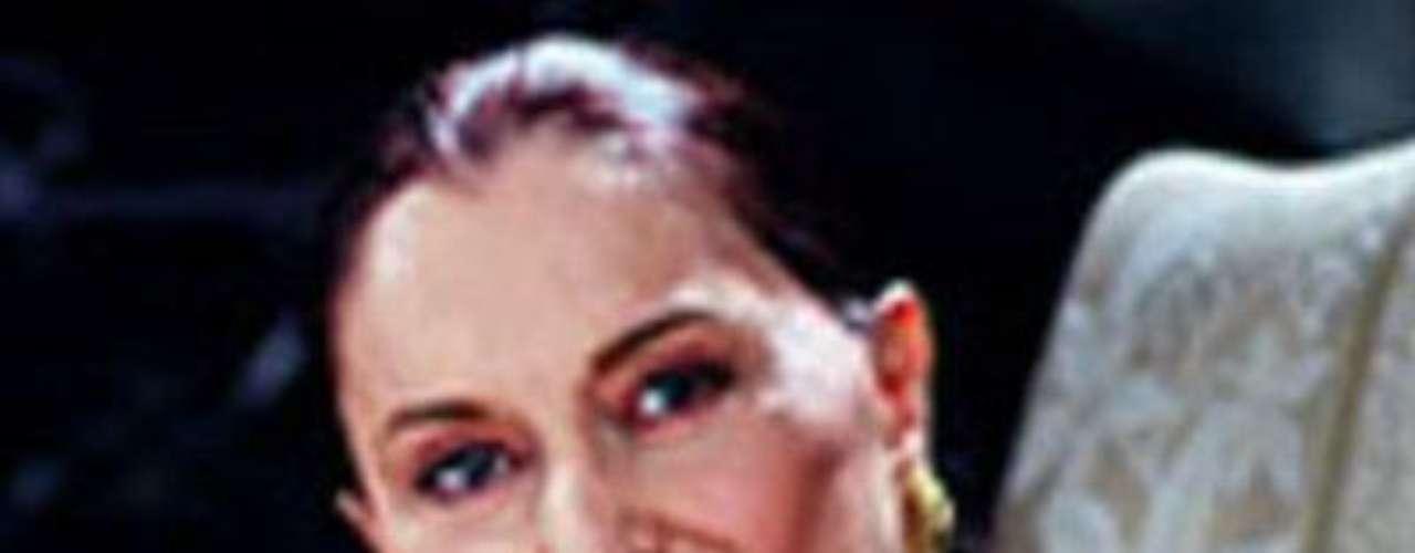 Ah, cómo se le extraña. La primerísima actriz española de cine y televisión nació el 17 de noviembre de 1921, pero desafortunadamente dejó de existir el 14 de enero de 2005. Su última novela fue \