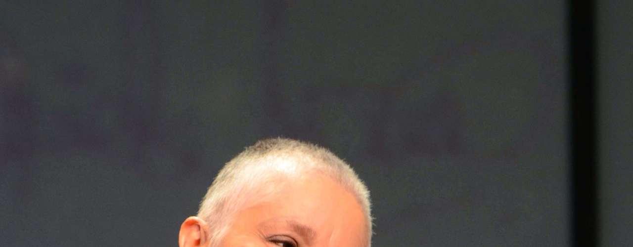Daniela Romo, homenajeada con el  Premio A La Excelencia Musical 2012, llega después de vencer al cáncer de mama a cantar en los Latin Grammy.