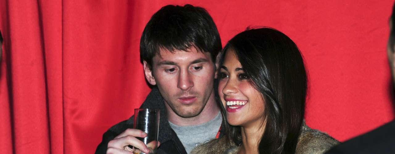 Messi contó en su perfil de Facebook que toda la familia ha viajado desde Rosario hasta Barcelona para el nacimiento de Thiago.