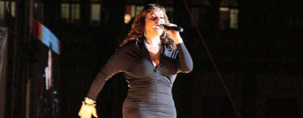'La Diva de la Banda', quien se presentó el 15 de septiembre de 2012 en el Zócalo Capitalino de la ciudad de México -ante más de 90 mil personas-, compartió con sus fans un repertorio que abarca sus éxitos en diversos escenarios.