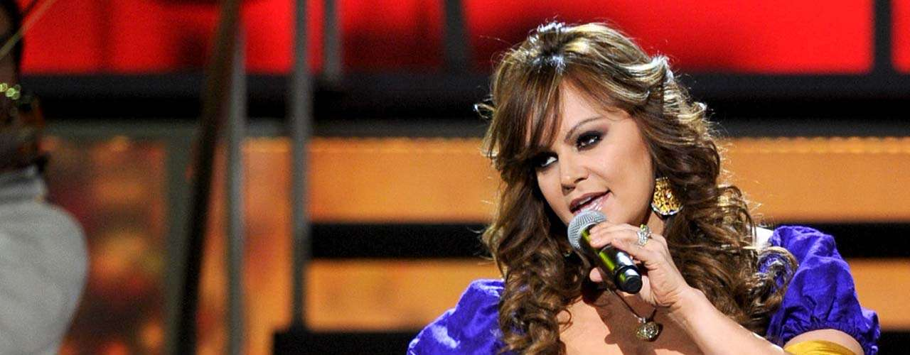 En el programa 'El Gordo y la Flaca', Jenni Rivera aseguró que ya no quiere pensar más en Loaiza: \