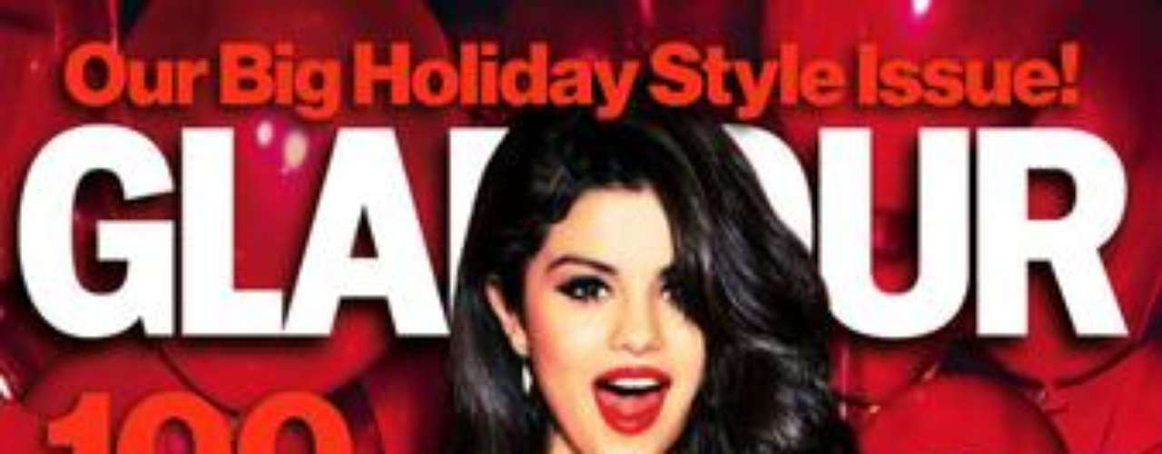 Selena Gomez mostró su lado femenino y elegante para la revista Glamour de Estados Unidos. La actriz y cantante fue captada para la portada de la publicación, usando vestidos sexy y escotados, incluyendo un modelo Zac Posen. Las imágenes fueron hechas para la edición especial de diciembre, que será dedicada a las Mujeres del Año. Una de las electas es la propia Selena.