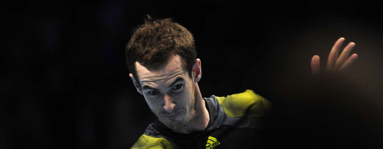 Britain's Andy Murray plays a return to Tomas Berdych of Czech Republic during their singles tennis match at the ATP World Tour Finals in the O2 Arena in London November 5, 2012.
