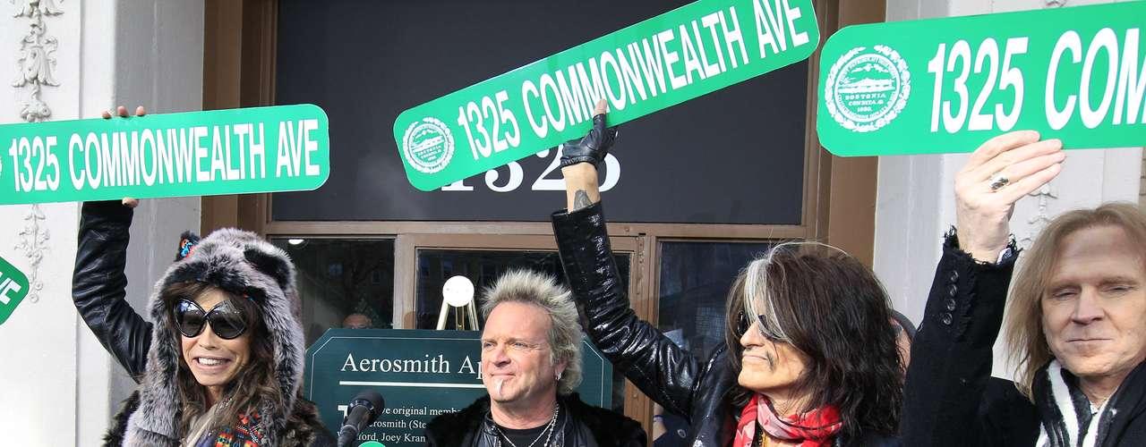 Aerosmith, siempre ha mantenido sus lazos con la ciudad, que es hogar de cientos de miles de estudiantes universitarios.