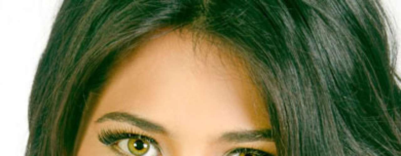Miss México - Paola Aguilár. Tiene 19  años de edad y su estatura es de 1.71 metros.