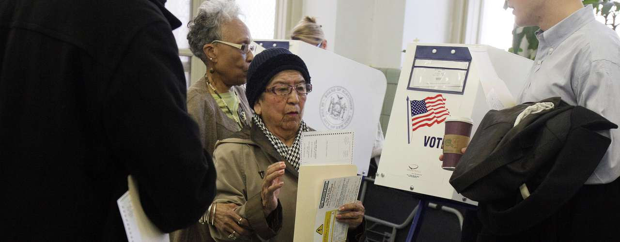 Josefina Oscco, an 84-year old Peruvian, votes in New York during the elections. Age doesnt matter, as long as youre over 18 youre welcome at the polls.