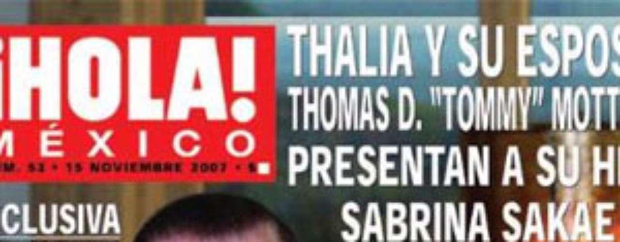 Cuando Thalía y  Tommy Mottola  presentaron  a su hija Sabrina Sakaë en la revista '¡Hola!', el mundo del espectáculo se asombró al ver el parecido de la pequeña a su papá , dejando la belleza de la cantante totalmente  ajena a la bebé.