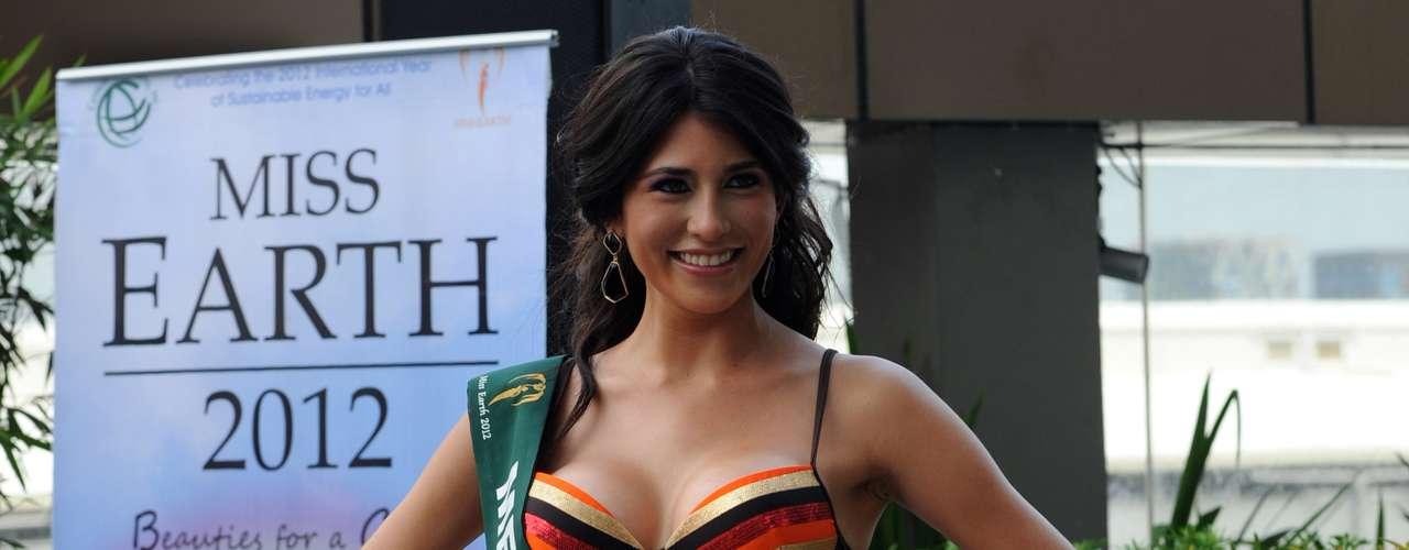 Miss México, Lourdes Paola Aguilar, fue toda una sensación que dejó en alto, durante este encuentro, la calidez de la belleza Latina.