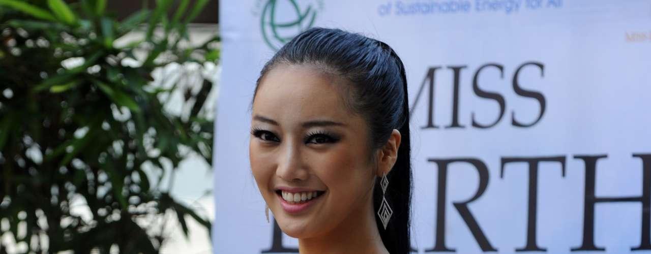 Un derroche de belleza, gracia y simpatía fueron algunas de las cualidades que caracterizaron la presentación de Sara Kim, la representante de Corea del Sur.