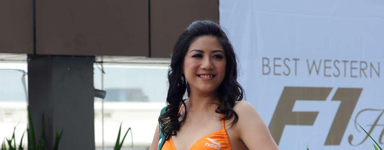 China Taipei se encuentra representada Jen-Ling Lu, quien en su llamativo traje de baño color mandarina no pasó desapercibida.