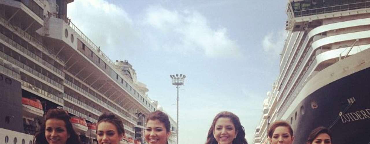 Las candidatas el Concurso Nacional de Belleza fueron recibidas con aplausos y sonrisas en pleno Puerto de Cartagena.