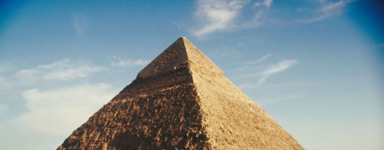 1892-1911. Con base en la investigación que hizo en Egipto sobre las dimensiones de la gran Pirámide de Giza, el astrónomo italoescocés Charles Piazzi Smyth vaticinó que entre 1892 y 1911 ocurriría la segunda llegada de Jesucristo.