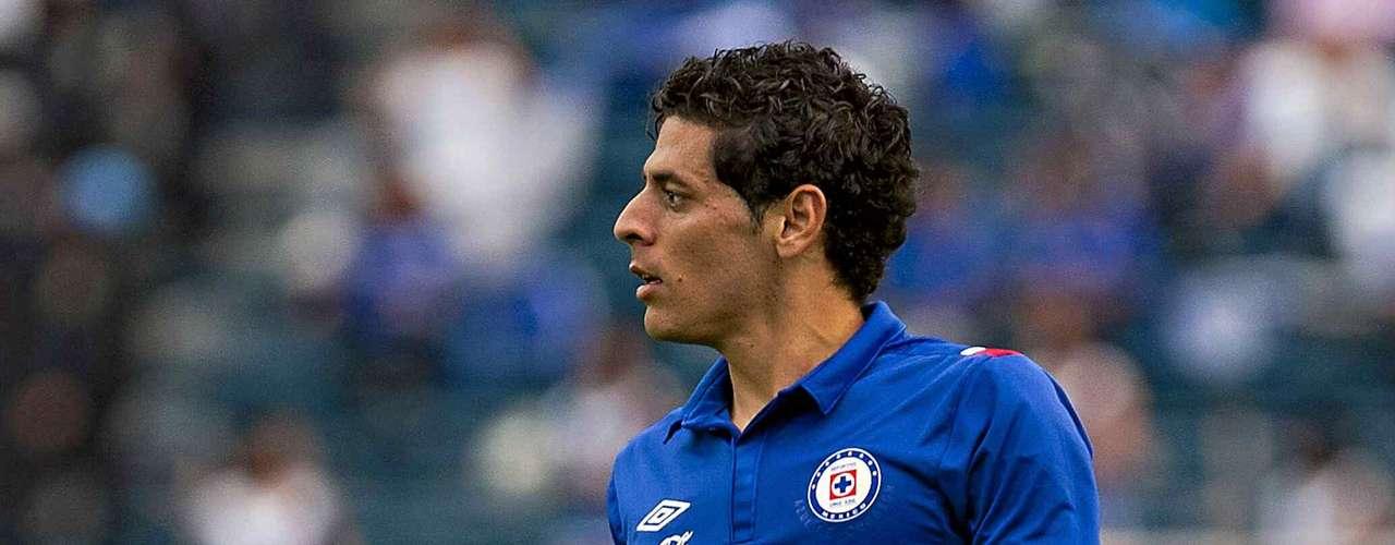 Alejandro Vela también es de los inamovibles del cuadro titular con 15 partidos jugados. Tiene la misión de surtir de balones desde la banda izquierda celeste.