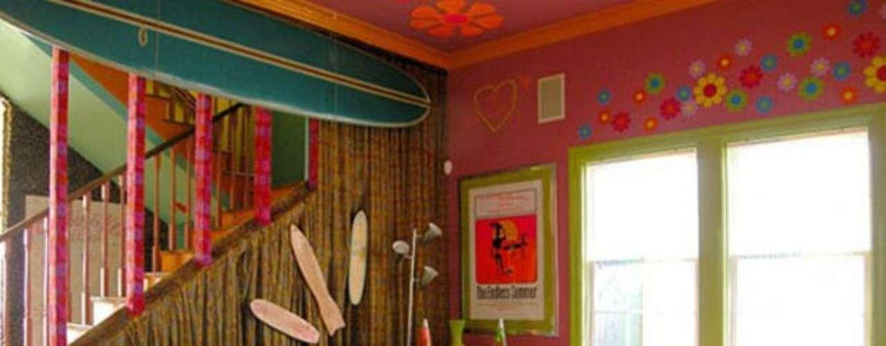 La tendencia Hippie se puso de moda y actualmente este estilo se impone en la decoración de interiores por ser llamativo, alegre, único y extrovertido